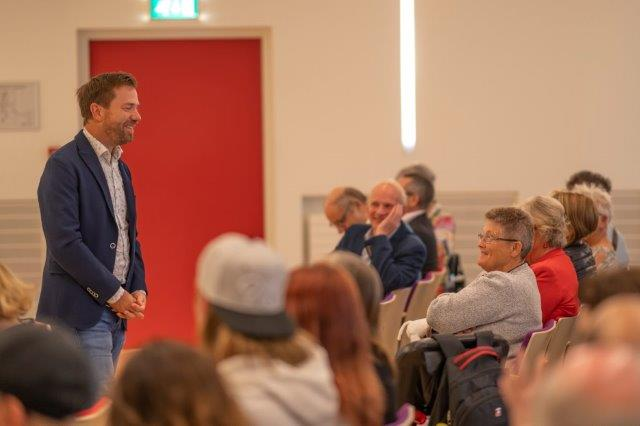Gerald Hengstman op symposium MS en werk